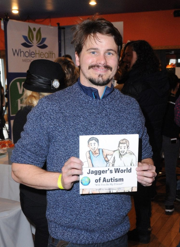 PARK CITY, UT - JANUARY 21: Actor Jason Ritter attends EcoLuxe Lounge Ten Years at Sundance on January 21, 2017 in Park City, Utah. (Photo by Vivien Killilea/Getty Images for EcoLuxe)